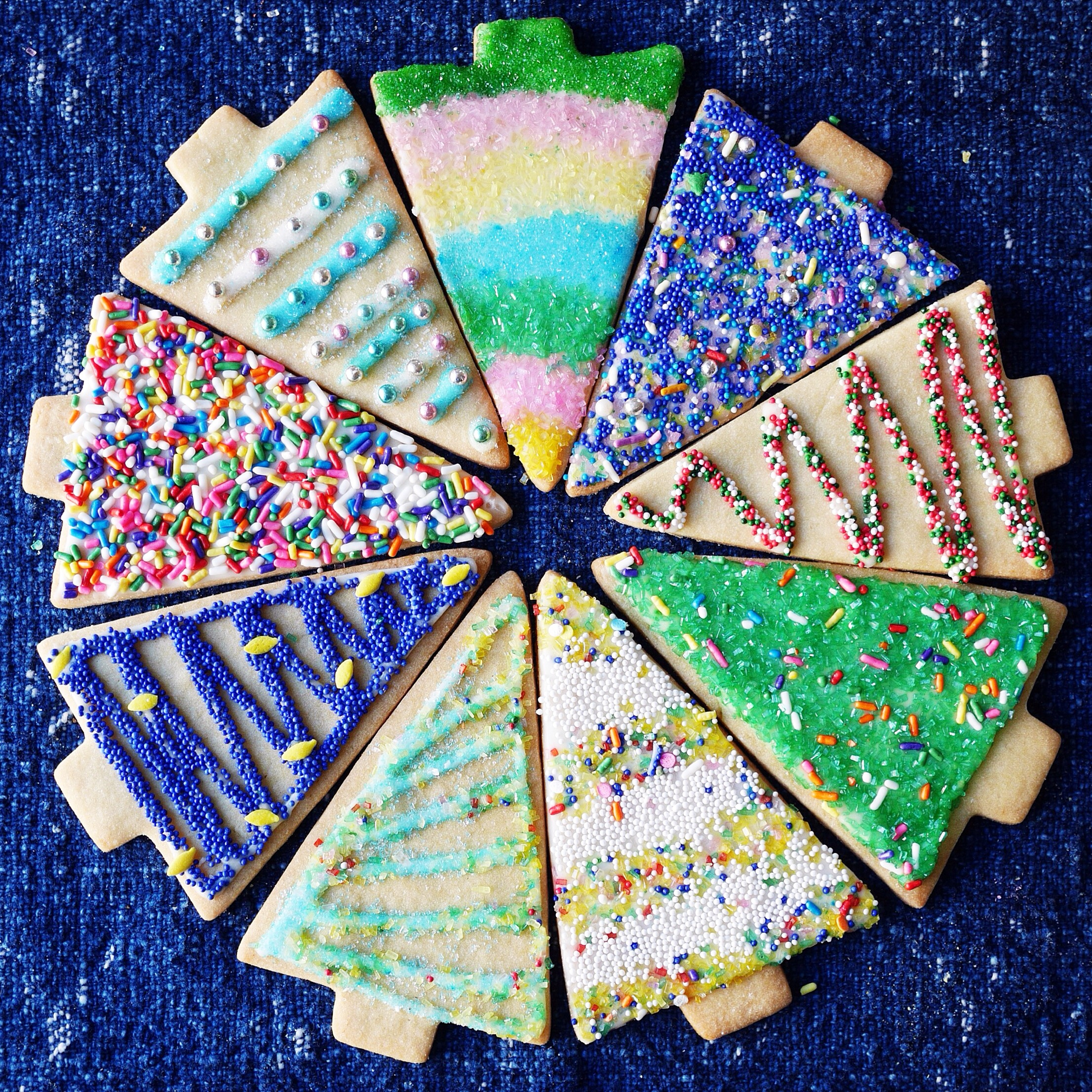 easy holiday sugar cookie decorating ideas from mostessco - Decorations For Christmas Sugar Cookies